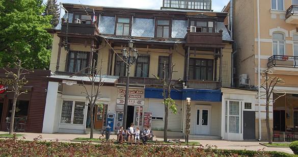Беленые пеньки деревьев - визитная карточка Кисловодска ? Путешествие из Минвод в Кисловодск (почти по Радищеву)