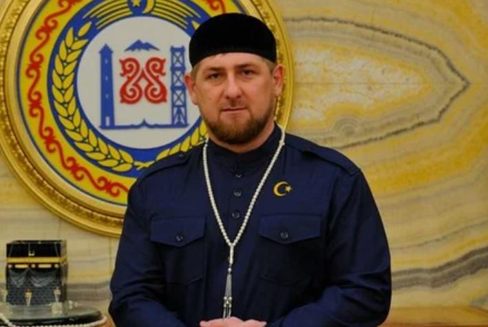 РАМЗАН КАДЫРОВ ПОЗДРАВИЛ МУСУЛЬМАН С НАСТУПЛЕНИЕМ ПРАЗДНИКА УРАЗА-БАЙРАМ