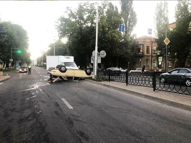 Двое пожилых людей пострадали в аварии в Пятигорске