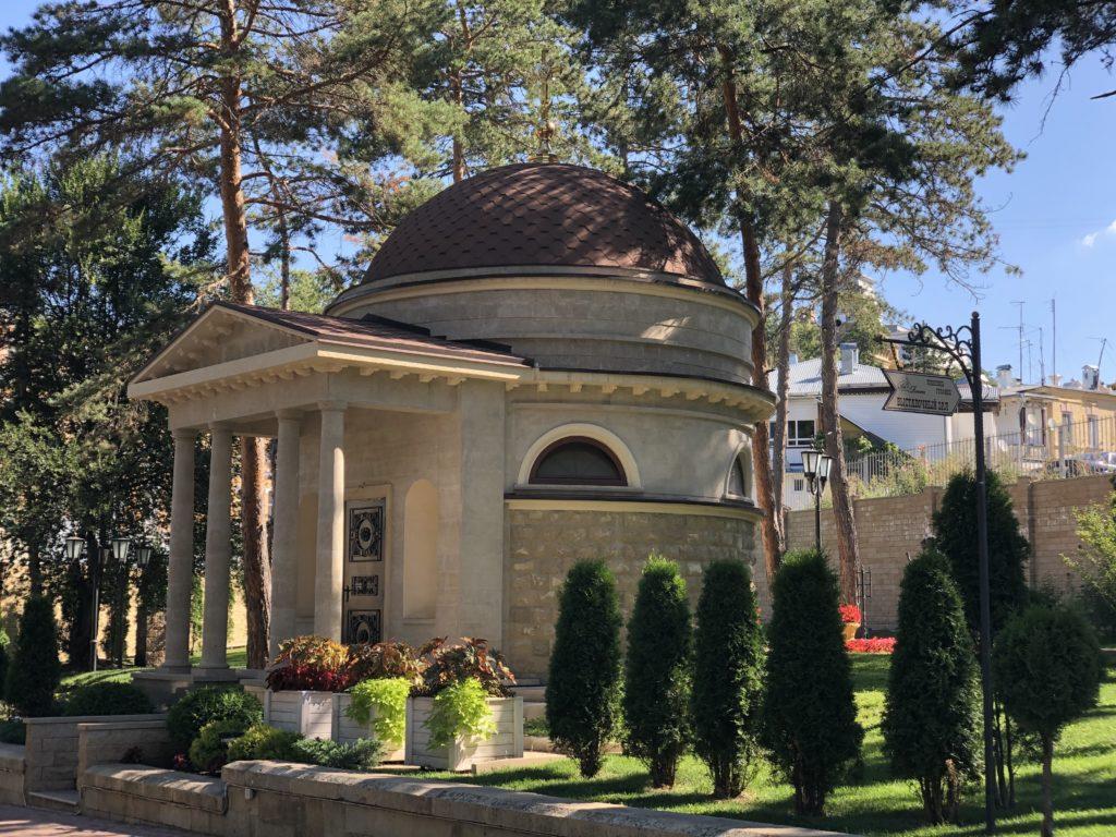 В Кисловодске готовят к открытию возрожденную старинную часовню