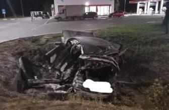 Три молодых человека погибли в аварии с возгоранием автомобиля в Невинномысске