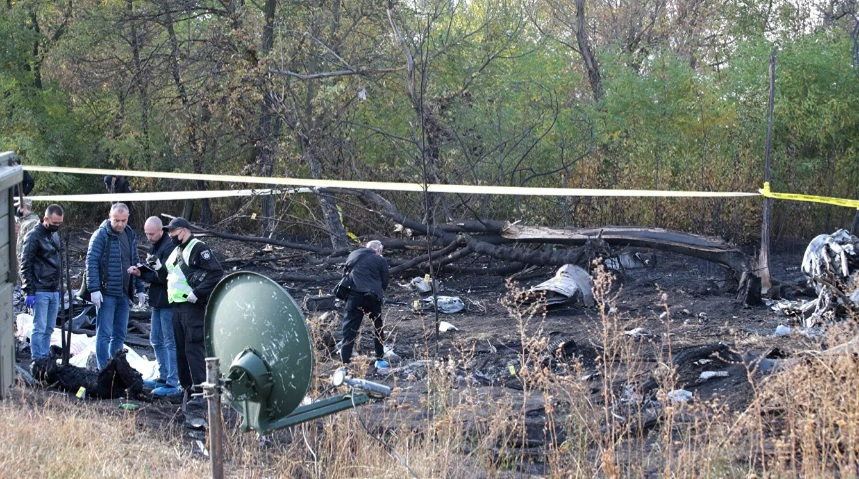 На Украине день траура. Искренние соболезнования родным и близким погибших при крушении военного транспортникаАн-26