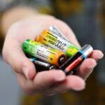 Пожалеем природу: использованные батарейки можно сдать на утилизацию в магазин