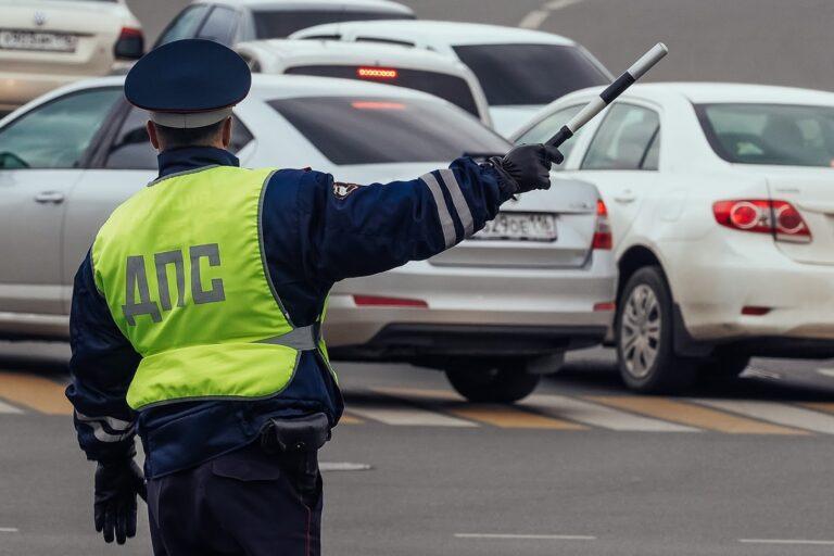 В Кисловодске пассажир требовал ограничиться предупреждением для водителя с признаками опьянения 🚔