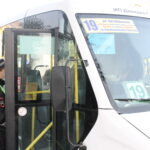 Входя в автобус, не забудьте надеть защитную маску! В общественном транспорте проходят проверочные рейды
