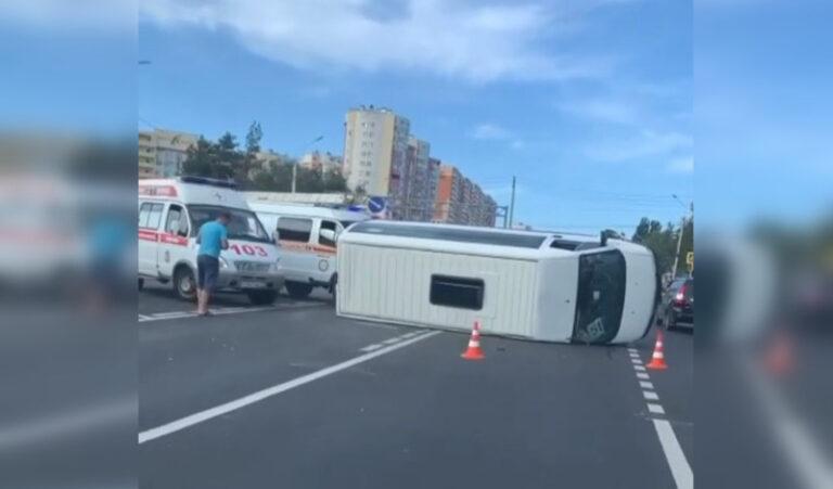 Причины аварии маршрутки вСтаврополе, в которой пострадали семь человек, расследует Следственное Управление СКР