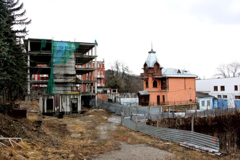 Застройщики объектов в Кисловодске, нарушающих градостроительные нормы, проиграли в двух судах