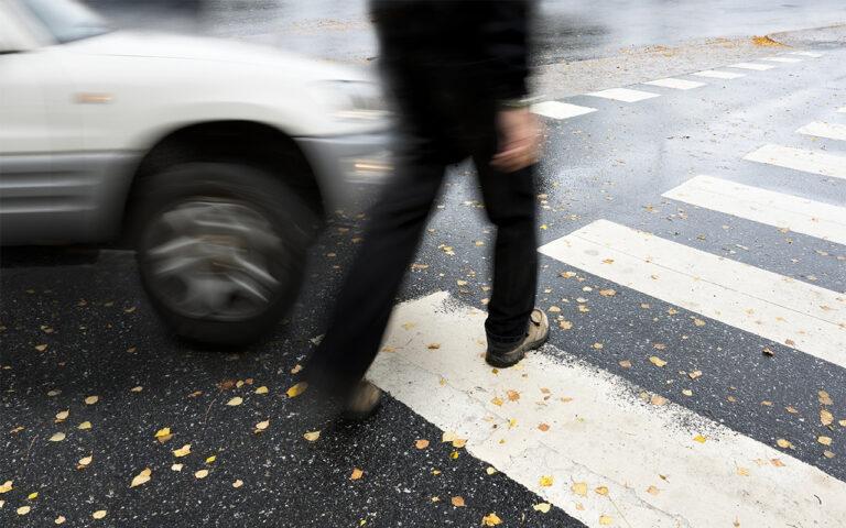В Кисловодске на улице Куйбышева водитель автомобиля сбил человека и скрылся