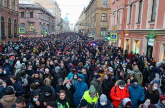 Более пяти тысяч человек были задержаны во время протестных акций. Их итоги и выводы, а также советы, которые могут пригодиться