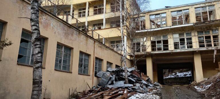 При обвале стены санатория «Академический» в Кисловодске погиб рабочий. Ситуация под контролем губернатора СК