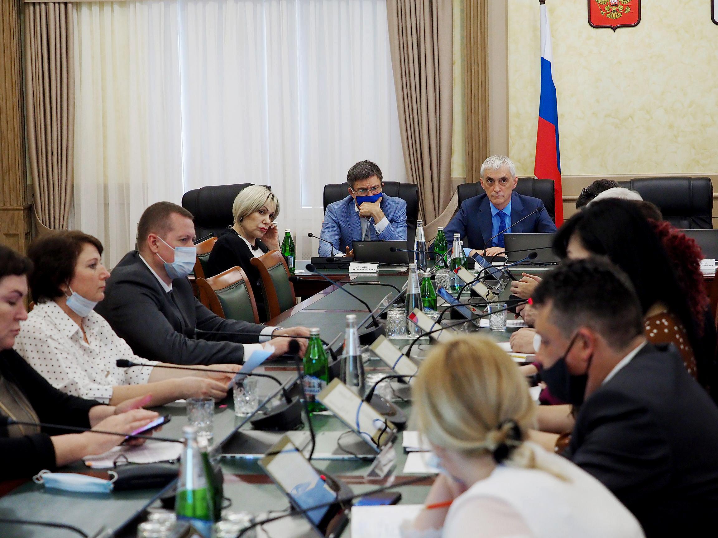 Представители лучших волонтерских организаций выступили в Думе Ставропольского края