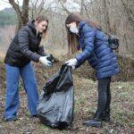 Результаты субботника: с участка дороги на Джилы-Су вывезли 16 камазов мусора и сухостоя