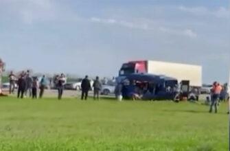 Пять школьниц погибли в автоаварии на Ставрополье
