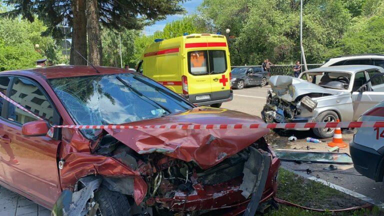 Пьяный водитель автомобиля Форд спровоцировал тройное ДТП в Кисловодске