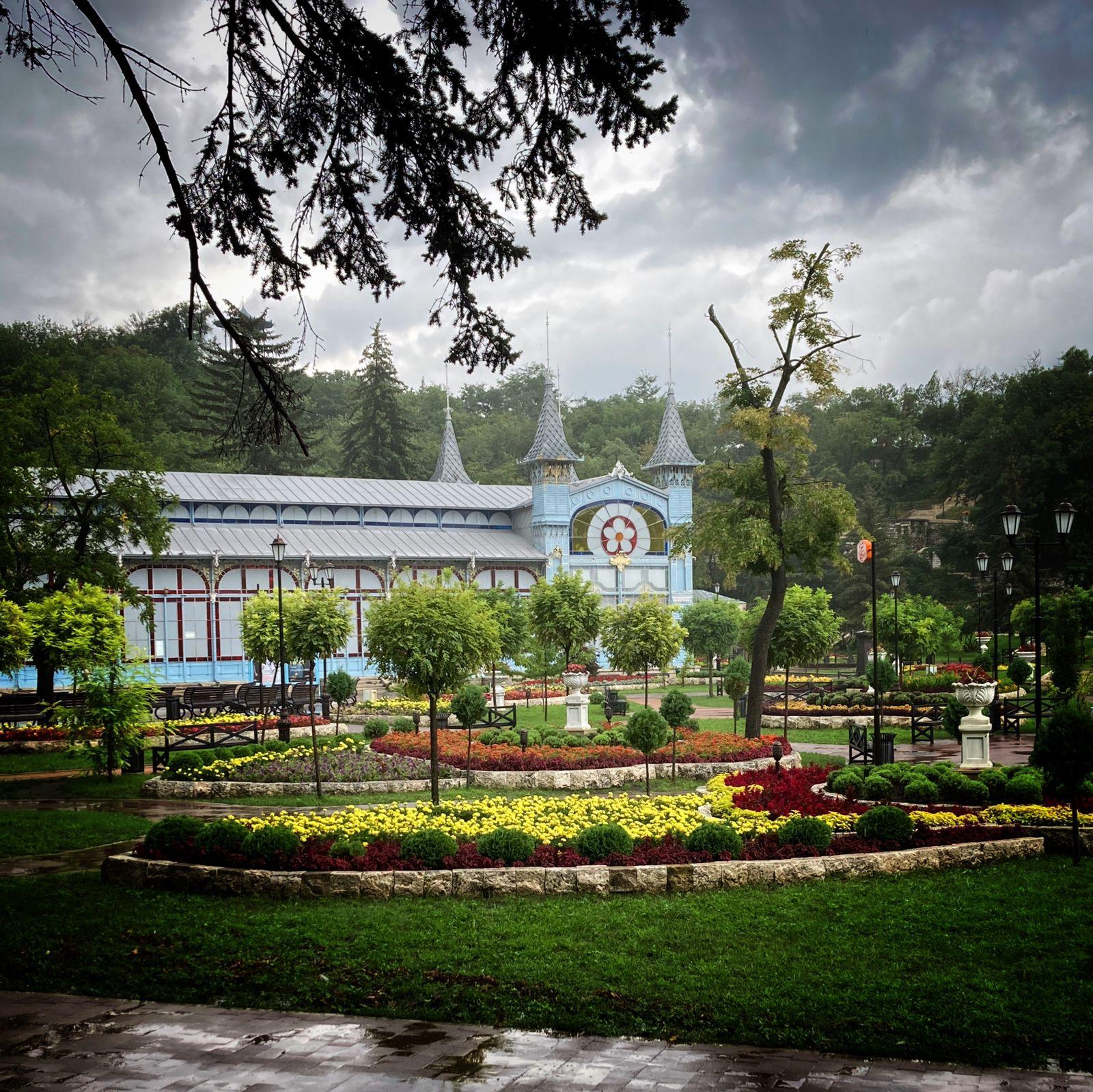 Валерий ШИЛОВ. Дождь в Пятигорске