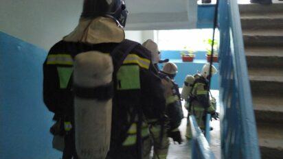При пожаре в Буденновске пришлось эвакуировать 12 человек