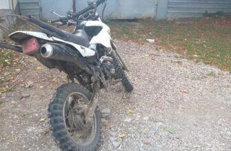 В Кисловодске перевернулся спортивный мотоцикл, пострадал водитель